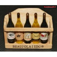 Caisse en bois avec 5 bouteilles de vin : m880